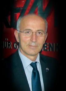 Hür FM eski Yönetim Kurulu Başkanı Turan Çakar, radyonun yeni sahiplerine başarılar diledi