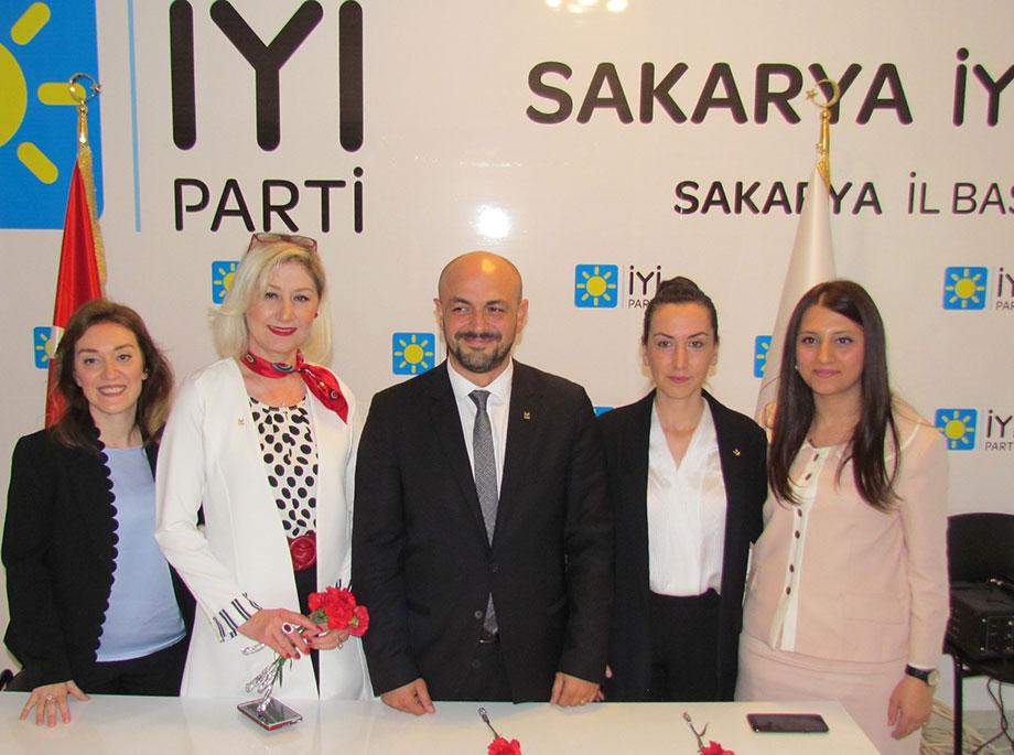 İYİ Parti Aday Adayları ve İl Başkanı Selçuk Kılıçarslan